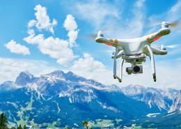Drone quadrocopter with digital camera / Auteur : Kadmy / © Adobe Stock