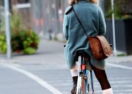 Women bike city / ©Leeroy / Life of pix/ www.lifeofpix.com