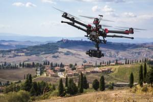 Flying drone in the skies of Tuscany / © Alexander Kolomietz
